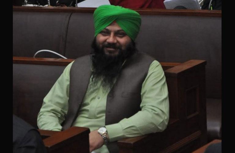 mahinder pal singh become parliamentory secretory in paksitan