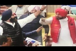 fight between navjot singh and bikram majithia