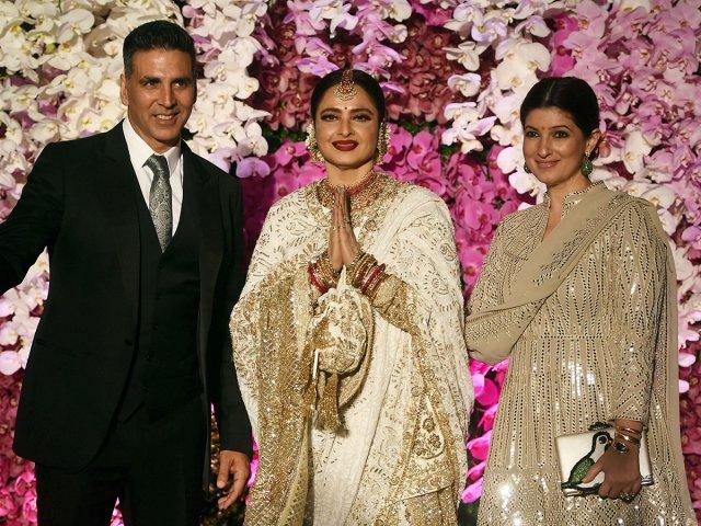 akshay kumar rekha and twinkle khanna at akash ambani marriage party