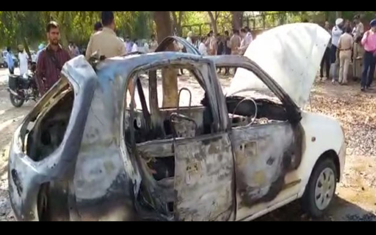 fire in car in chandigarh