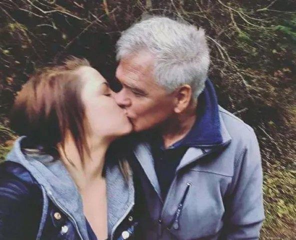 women married an old man