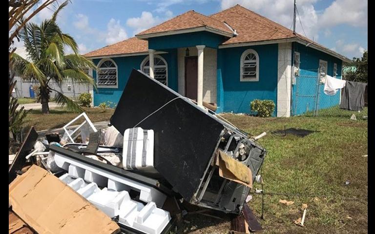 bahamians-storm
