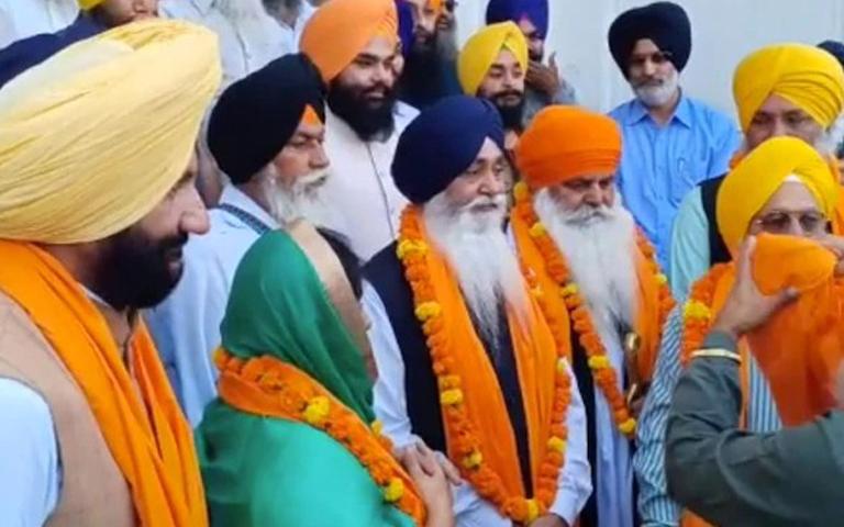 1303-pilgrims-leave-for-shri-kartarpur-sahib