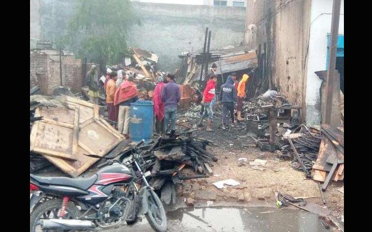 fire in wooden warehouse ludhiana