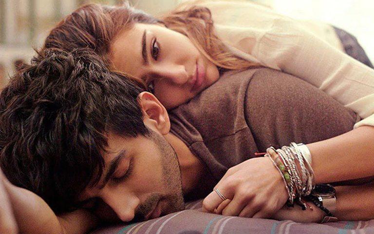 love-aaj-kal-movie-review-sara-ali-khan-kartik-aaryan