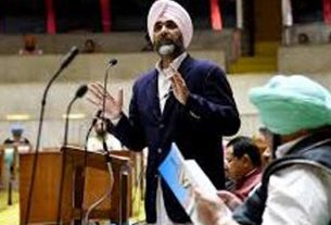 manpreet-badal-announces-for-government-employees-salary