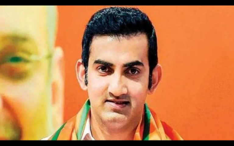 Gambhir donates 50 lakh in CM Relief Fund Slams AAP