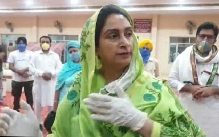 every-farmer-in-punjab-is-rolling-in-mandis-to-sell-crop-harsimrat-badal