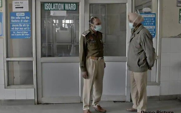 2-patients-and-4-policemen-missing-from-hospital-amritsar