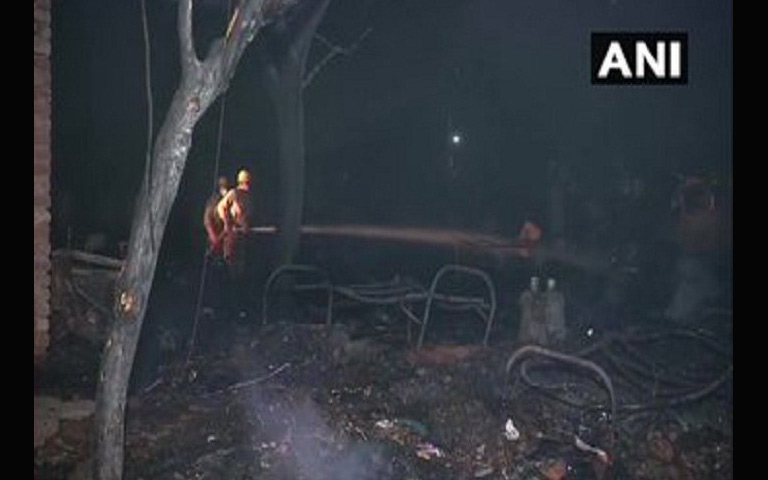 tughlakabad-area-fire-in-120-slums-in-delhi