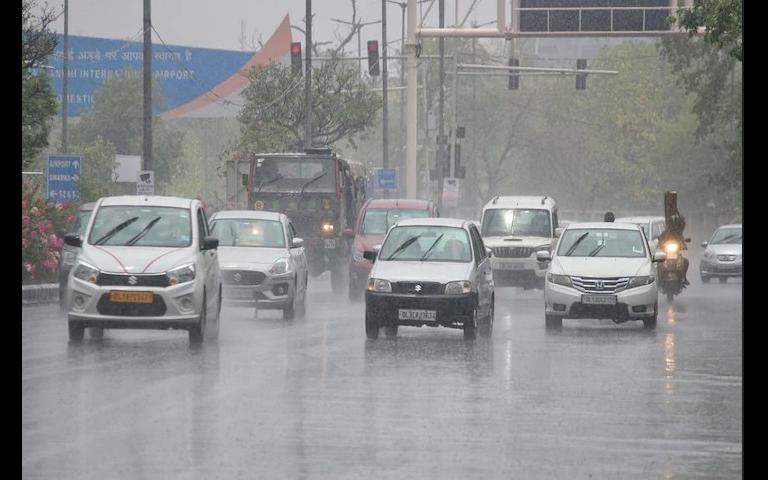 meteorological-department-warns-of-heavy-rain-in-punjab