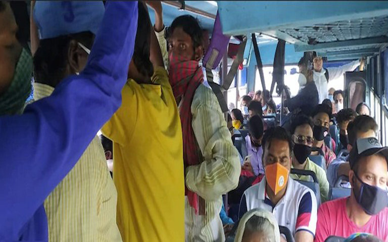 amid-corona-prtc-buses-fully-packed-with-passengers