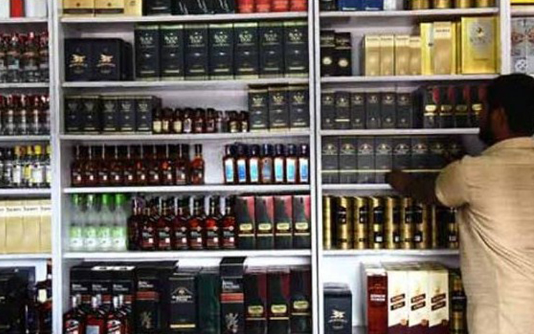 counterfeit-liquor-sold-to-punjabis-in-lockdown