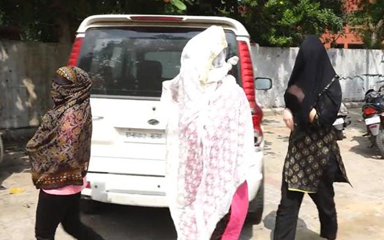 sex-racket-in-amritsar-2-foreign-girls-arrested