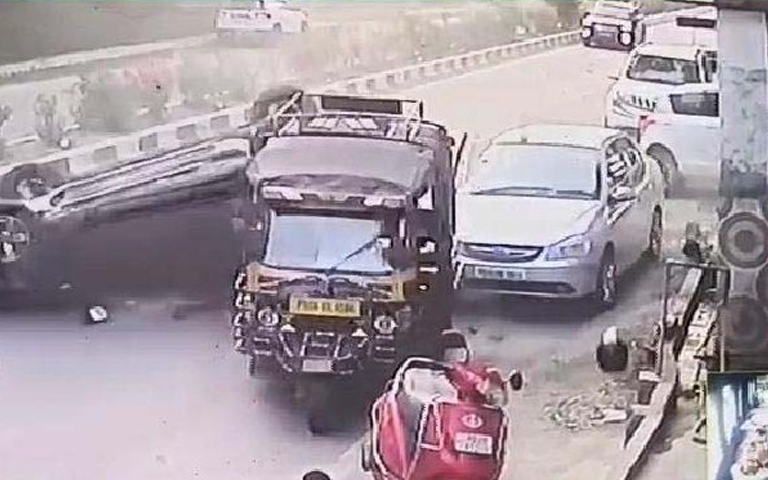 jalandhar-kapurthala-road-accident-woman-dead