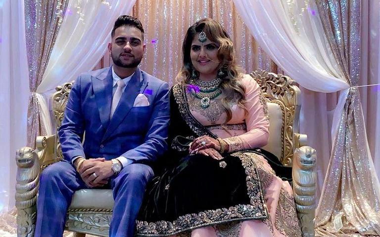 karan-aujla-with-wife-viral-video