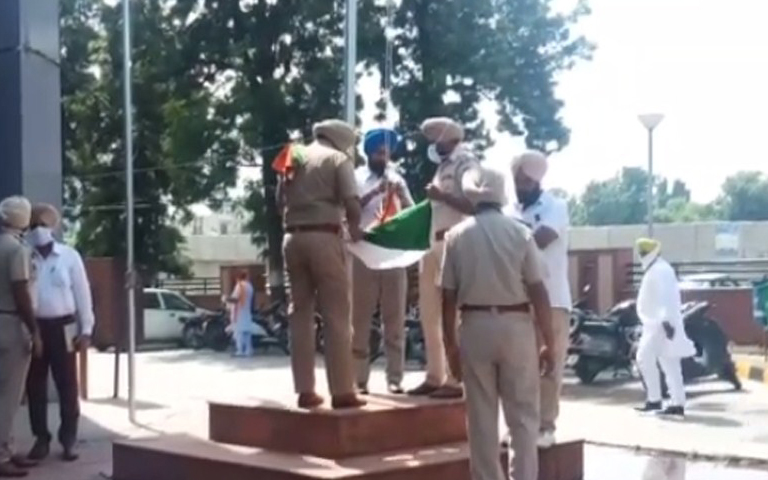 khalistan-flag-raised-at-dc-office-moga