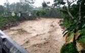 heavy-rains-in-kerala-and-karnataka-people-facing-floods