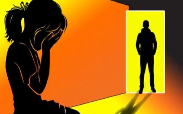 rape-with-job-girl-by-lab-technician-in-delhi-hoapital