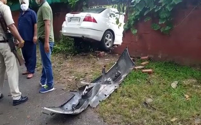 terrible-road-accident-occurred-on-dividing-road-of-sector-19-20-chandigarh