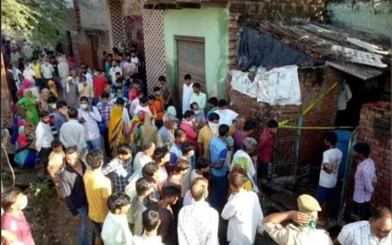 uttar-pradesh-family-3-people-murder-bodies-in-up