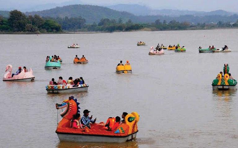 chandigarh-weekend-lockdown-sukhna-lake-viral-news