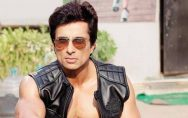 sonu-sood-has-also-come-forward-to-help-the-players