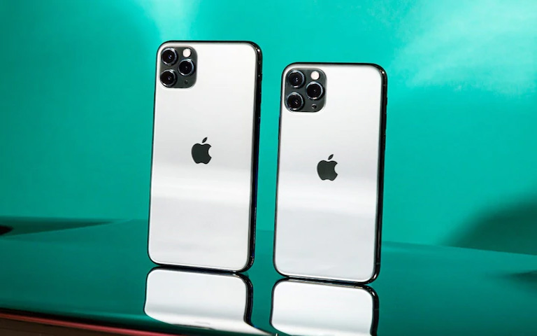 An-iPhone-priced-at-Rs-30,000-is-being-sold-at-a-price-of-over-Rs-1-lakh