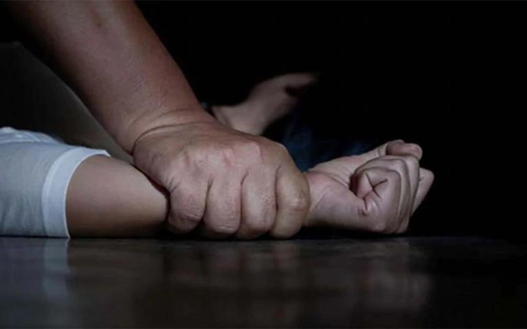 Rape-case-registered-against-casting-director-of-Akshay-Kumar's-film-'Bell-Bottom'