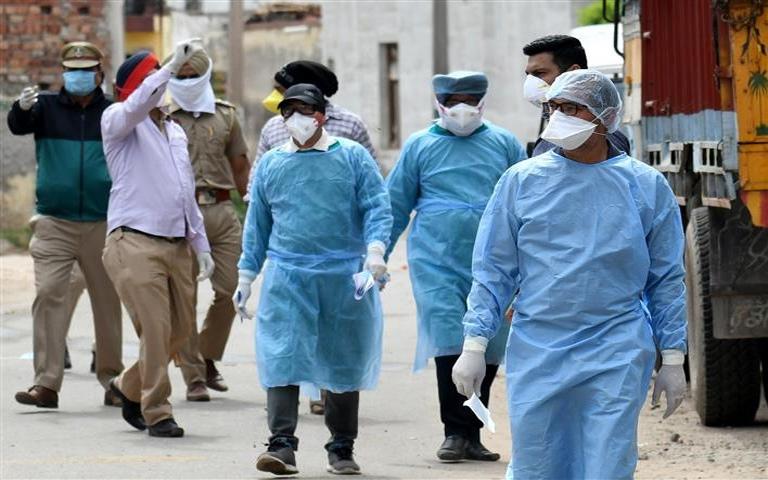 ਪੰਜਾਬ ਵਿੱਚ ਕੋਰੋਨਾ ਇੱਕ ਵਾਰ ਫਿਰ ਫੜੀ ਰਫਤਾਰ, 31 ਲੋਕਾਂ ਦੀ ਹੋਈ ਮੌਤ