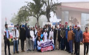 A-team-of-doctors-and-paramedics-left-Punjab-for-medical-assistance-in-the-tractor-parade