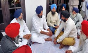 Bikram-Singh-Majithia-reached-at-Bhoma-village-of-Majitha