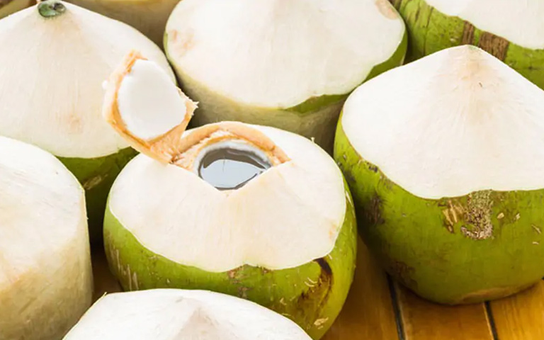 6-Science-Based-Health-Benefits-of-Coconut-Water
