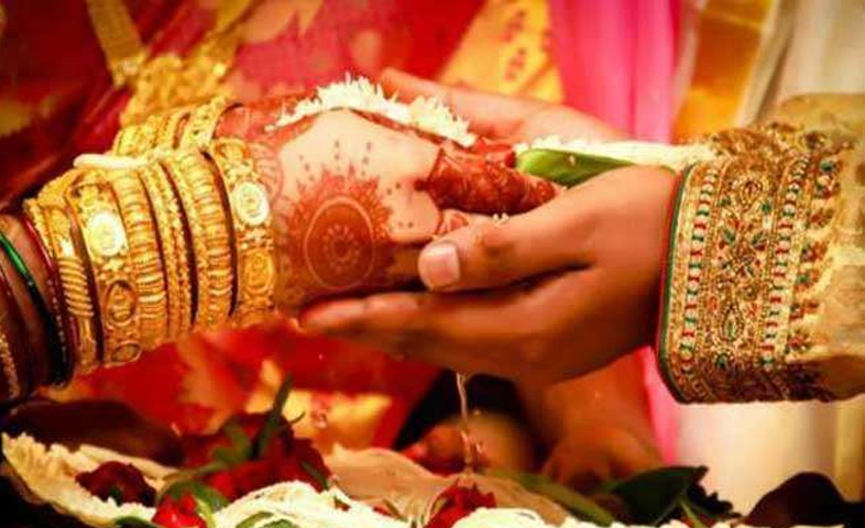 Police-arrest-groom-from-wedding-party