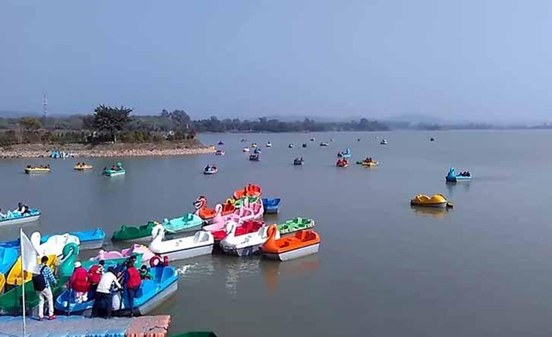 This-time,-you-cannot-celebrate-holi-on-'Sukhna-Lake'-in-Chandigarh