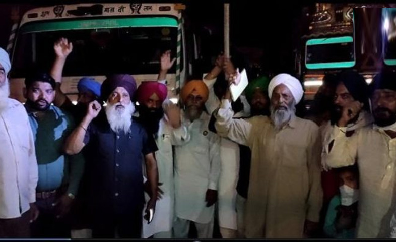 50-trolleys-full-of-wheat-from-UP-reach-Ropar-district