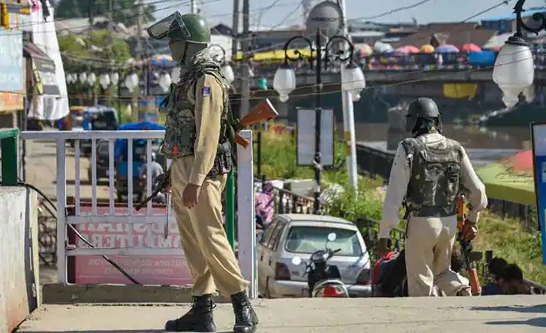 Agencies-alert-after-bomb-blasts-at-several-places