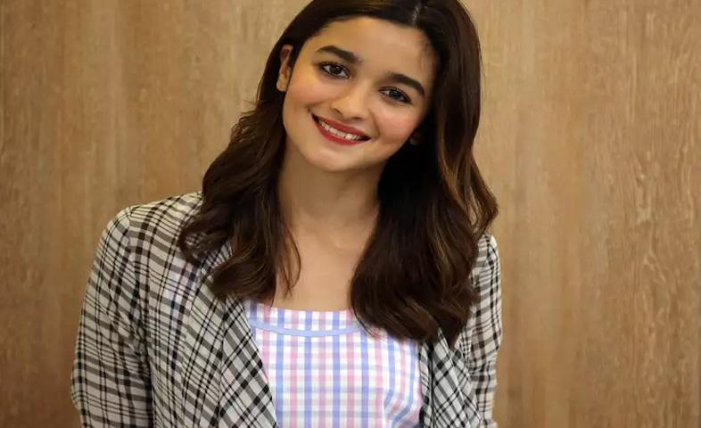 Alia-Bhatt-Corona-Positive-After-Ranbir-Kapoor