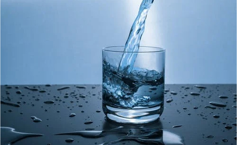 4-Science-Based-Health-Benefits-of-Drinking-Enough-Water