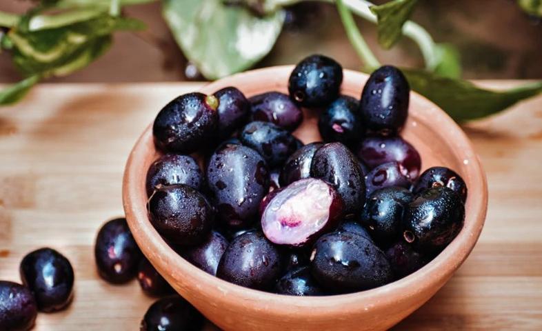 5-Amazing-Benefits-of-Eating-jamun