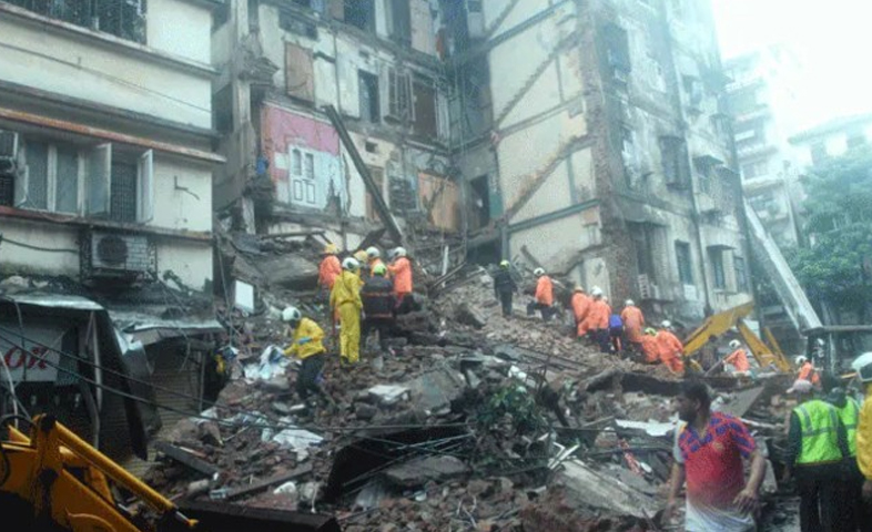 One-person-died-while-four-others-injured-in-building-collapsed-in-bandraOne-person-died-while-four-others-injured-in-building-collapsed-in-bandra